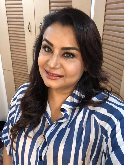 Actress Divyajyoti Sharma Is Helping The Poor In Mumbai